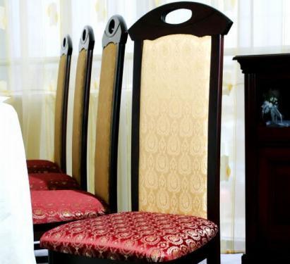 Mese si scaune pentru restaurante