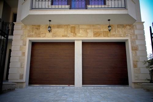 Usa de garaj sectionala doorTECK