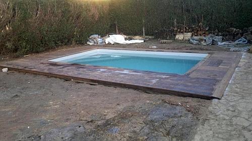 Nesibina amenajari interioare montaj mocheta for Amenajari piscine exterioare